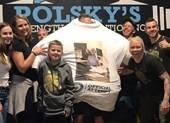 Lập kỷ lục Guinness nhờ mặc 260 áo phông một lúc