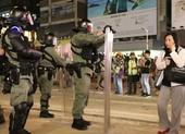 Hong Kong: Cảnh sát nới vòng vây, người biểu tình vẫn cố thủ