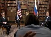 Giới báo chí tranh nhau đưa tin, gây hỗn loạn tại buổi hội đàm Mỹ - Nga