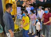 Việt Nam chưa tính đến việc công bố hết dịch COVID-19