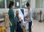 Bệnh nhân COVID-19 nặng nhất miền Bắc xuất viện bay về TP.HCM