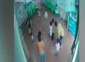 Xem xét kỷ luật cô giáo để bé 2 tuổi bị giật tóc, tát vào mặt