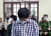 Cha dượng đánh đập, châm thuốc vào người bé gái: 8 năm tù