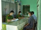 Khởi tố 10 người rủ nhau đi phá rừng ở Huế