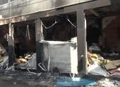 Cứu 7 người mắc kẹt trong vụ cháy nhà ở Bình Tân