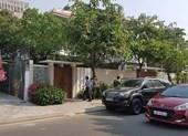 Xe công an ghé nhà cựu Phó chủ tịch UBND TP Đà Nẵng