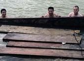 Bắt liên tiếp 2 vụ vận chuyển gỗ lậu ở Quảng Nam