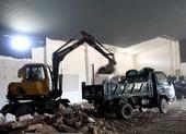 Tháo dỡ khu nhà kiểu Hoa xây dựng trái phép
