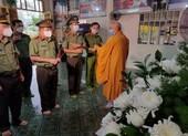 Giám đốc công an tỉnh An Giang thay chiến sĩ tuyến đầu làm tròn đạo hiếu