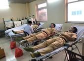 CSGT hiến máu kịp thời cứu bệnh nhân sau ca mổ