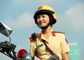 Nữ CSGT dẫn đoàn TP.HCM: Té chỗ nào phải đứng lên chỗ đó
