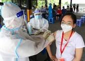Người dân TP.HCM chưa tiêm vaccine mũi 1 có thể nhắn qua tổng đài 8066