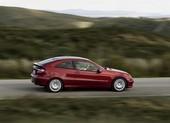 Vì sao Mercedes và BMW thất bại trong việc sản xuất xe giá rẻ?