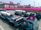 Triều Tiên đưa tên lửa đạn đạo xuyên lục địa diễu binh