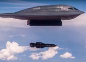 Mỹ tung video oanh tạc cơ B-2 ném 2 quả siêu bom 14 tấn