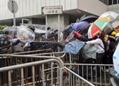 Cảnh sát Hong Kong tuyên bố 'tình trạng bạo động'
