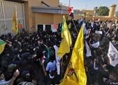 Người biểu tình xông vào ĐSQ Mỹ ở Iraq, nhân viên được sơ tán