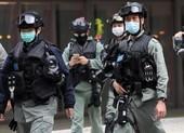 Cảnh sát Hong Kong truy tìm 2 người trốn khỏi khu cách ly