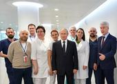 Tình hình sức khỏe ông Putin sau khi thăm bệnh viện COVID-19