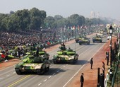 Ấn-Trung căng thẳng, Nga-Mỹ đua nhau bán vũ khí cho New Delhi