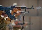 Súng trường AK của Nga có thực sự 'ăn đứt' súng trường M4 của Mỹ?