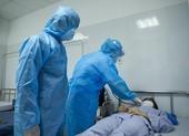COVID-19: 3 giáo sư đầu ngành vào Đà Nẵng cứu bệnh nhân nặng