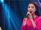 Tuyết Mai hát Hoa mười giờ, Đài Phương Trang cho 10 điểm