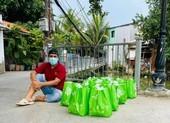 Ngô Thanh Vân, Phi Nhung, Quyền Linh… hỗ trợ người dân, y bác sĩ chống dịch