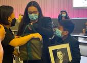 Con gái đón tro cốt ca sĩ Phi Nhung và tiếp tục làm thiện nguyện thay mẹ