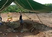 Tìm thấy mộ vợ vua Tự Đức ở khu vực san bằng làm bãi xe