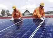 Bộ Công Thương đề xuất giá điện mặt trời áp mái 8,38 cent/kWh