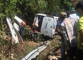 Lật xe thảm khốc ở Quảng Bình: Hàng chục người tử nạn