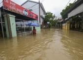 Chùm ảnh: Cuộc sống tại vùng ngập sâu nhất ở Huế