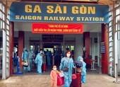 Chùm ảnh: Người dân Quảng Trị lên tàu hỏa về quê từ TP.HCM