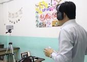 Giáo viên hoảng khi clip 'nóng' xuất hiện trong giờ học online