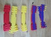 Sinh viên chế tạo hàng ngàn dây đeo khẩu trang tặng y bác sĩ