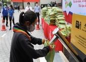 """Trường đại học mở """"ATM gạo"""" giúp người nghèo trong dịch COVID"""