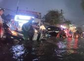 Video: Hàng loạt tuyến đường ở TP.HCM ngập nặng sau mưa