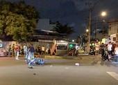 Ô tô lật ngửa sau tai nạn làm 3 người thương vong ở Tân Phú
