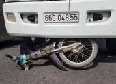 1 nạn nhân bị ô tô tải cán tử vong ở vòng xoay tại Bình Chánh