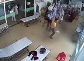 Bị nhắc đeo khẩu trang, bệnh nhân đánh bác sĩ