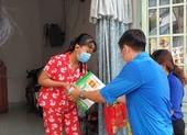 Đoàn viên Thanh niên quận 12 đến với các em bé mất mẹ do COVID-19