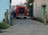 Cháy kho hàng thực phẩm ở quận Bình Tân, người dân hô hoán