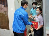 Tặng quà Trung thu cho trẻ em có người thân mất do COVID-19
