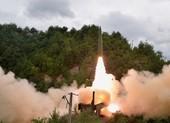 Ảnh: Triều Tiên thử nghiệm tên lửa phóng từ tàu hỏa
