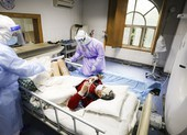 Trung Quốc chữa khỏi bệnh cho cụ ông 100 nhiễm COVID-19