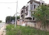 Hàng chục biệt thự tiền tỉ bị bỏ hoang ở Nhơn Trạch