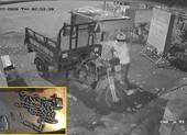 2 kẻ trộm cắt khoá lấy cắp xe ba gác trong đêm