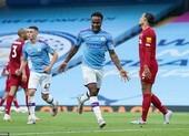 Cựu vương 'hủy diệt' tân vương, Liverpool đau trong ngày vui