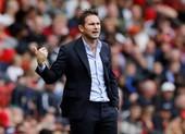 HLV Klopp chỉ trích Chelsea, Lampard đáp trả đanh thép